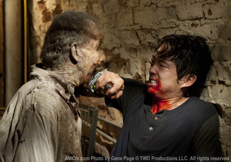 Glenn Rhee (Steven Yeun) in Episode 7 of The Walking Dead