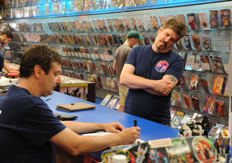 Comic Book Men Season 2 Episode Photos 35 - Comic Book Men Season 2 Episode Photos