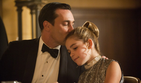 Kiernan Shipka Kisses E.T. for <em>Harpers Bazaar</em>; <em>Independent</em> Reveals Jon Hamm&#8217;s Inner Nerd