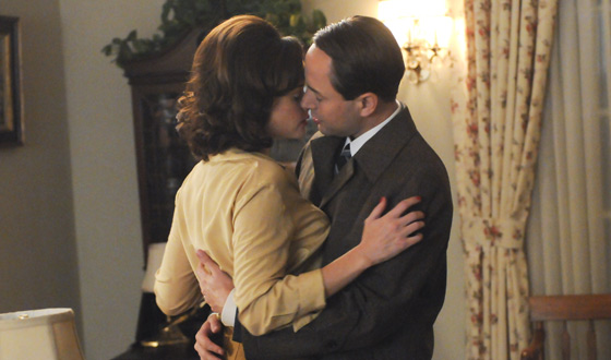 Ring in the New Year With These Memorable <em>Mad Men</em> Kisses From Season 5