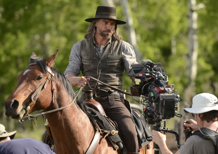 Hell on Wheels Season 2 Behind the Scenes Photos 8 - Hell on Wheels Season 2 Behind the Scenes Photos