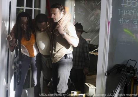 Michonne (Danai Gurira), Morgan Jones (Lennie James) and Rick Grimes (Andrew Lincoln) in Episode 12 of The Walking Dead