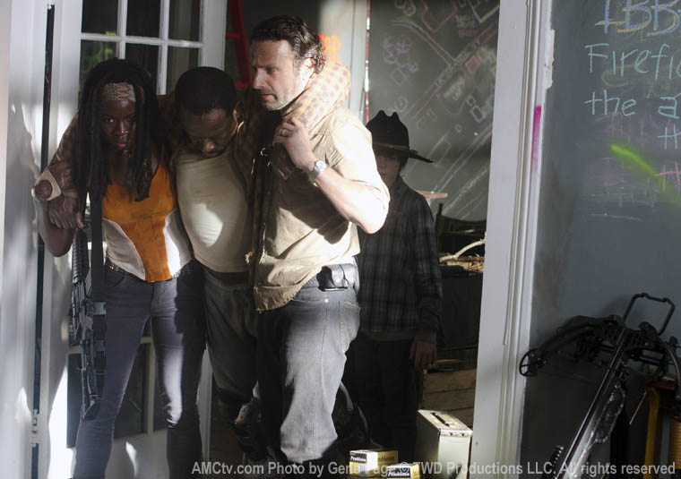 Michonne (Danai Gurira), Morgan Jones (Lennie James) and Rick Grimes (Andrew Lincoln) in Episode 12 of The Walking Dead