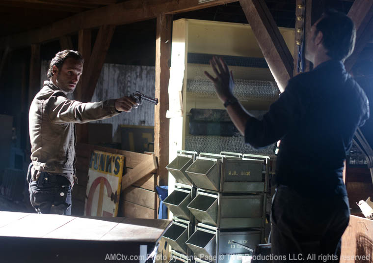 Rick Grimes (Andrew Lincoln) and the Governor (David Morrissey) in Episode 13 of The Walking Dead