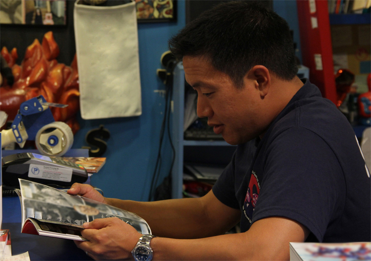 Comic Book Men Season 2 Episode Photos 75 - Comic Book Men Season 2 Episode Photos