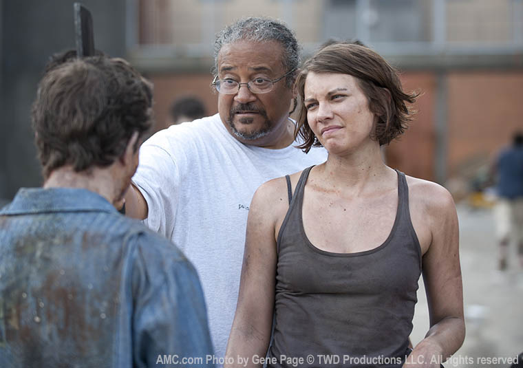 Ernest Dickerson (Director) and Lauren Cohan (Maggie Greene) in Episode 1 of The Walking Dead