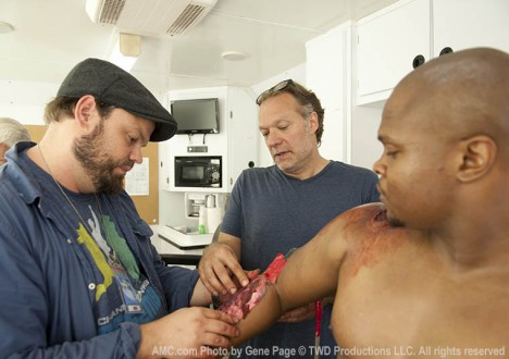 Kevin Wasner (Special FX Makeup Artist), Greg Nicotero (Co-Executive Producer) and IronE Singleton (T-Dog) in Episode 4 of The Walking Dead