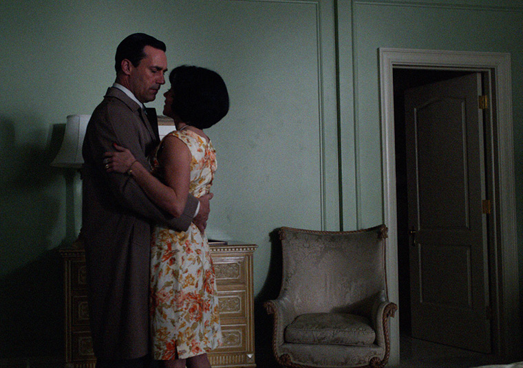 Don Draper (Jon Hamm) and Sylvia Rosen (Linda Cardellini) in Mad Men