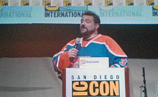 Comic-Con 2013 &#8211; Kevin Smith Talks <em>Comic Book Men</em> and <em>Clerks 3</em>; Hosts a Marriage Proposal