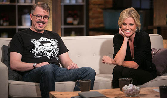<em>Talking Bad</em> Photos &#8211; Chris Hardwick, Vince Gilligan and Julie Bowen on Premiere Episode