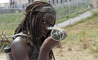 TWD-S4-Cast-on-Set-Video-Michonne-325