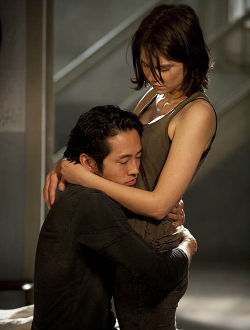 Glenn Rhee (Steven Yeun) and Maggie Greene (Lauren Cohan) in Episode 1 of The Walking Dead