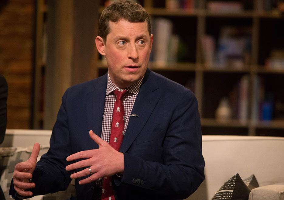 Scott M. Gimple (The Walking Dead Executive Producer, Writer) in Episode 1 of The Talking Dead