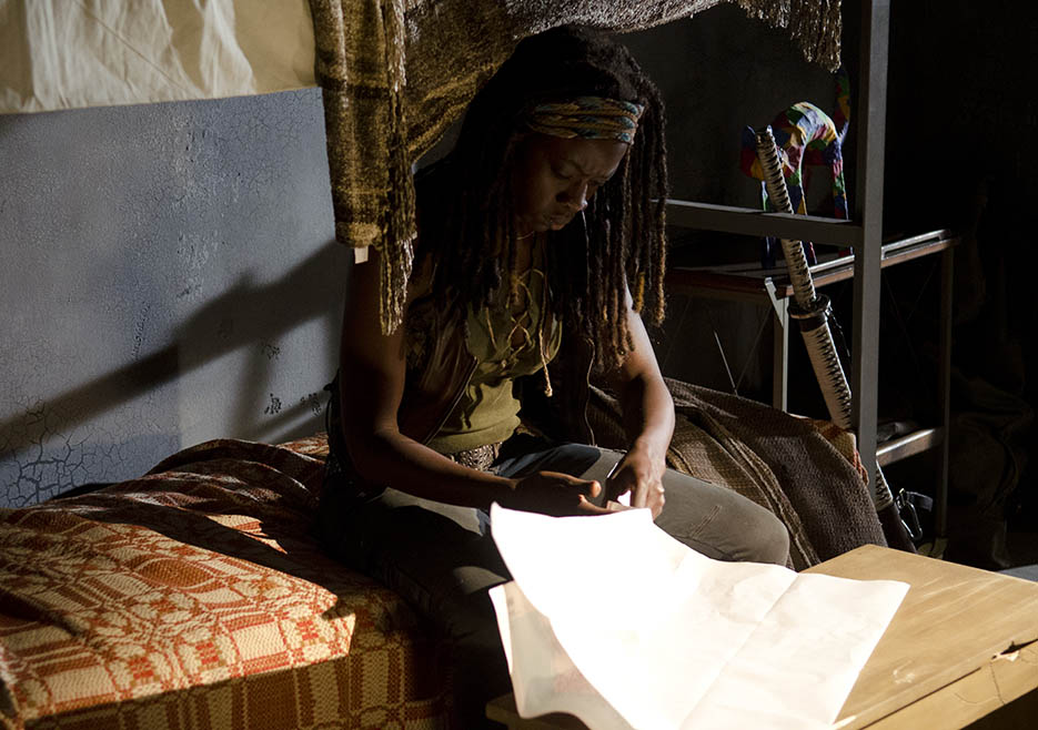 Michonne (Danai Gurira) in Episode 1 of The Walking Dead