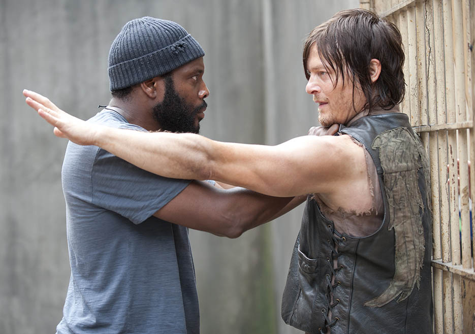Tyreese (Chad L. Coleman) and Daryl Dixon (Norman Reedus) in Episode 3 of The Walking Dead