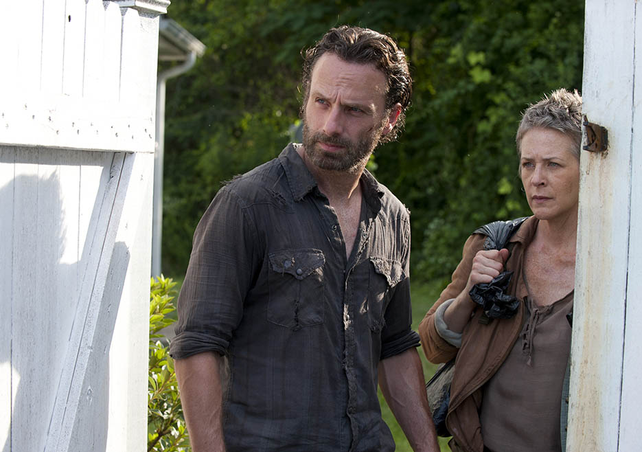 Rick Grimes (Andrew Lincoln) and Carol Peletier (Melissa McBride) in Episode 4 of The Walking Dead
