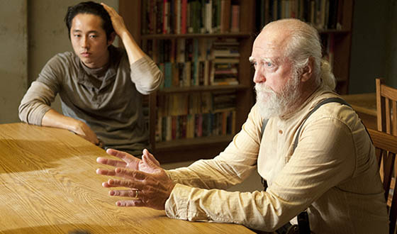 Glenn (Steven Yeun) and Hershel Greene (Scott Wilson) - The Walking Dead