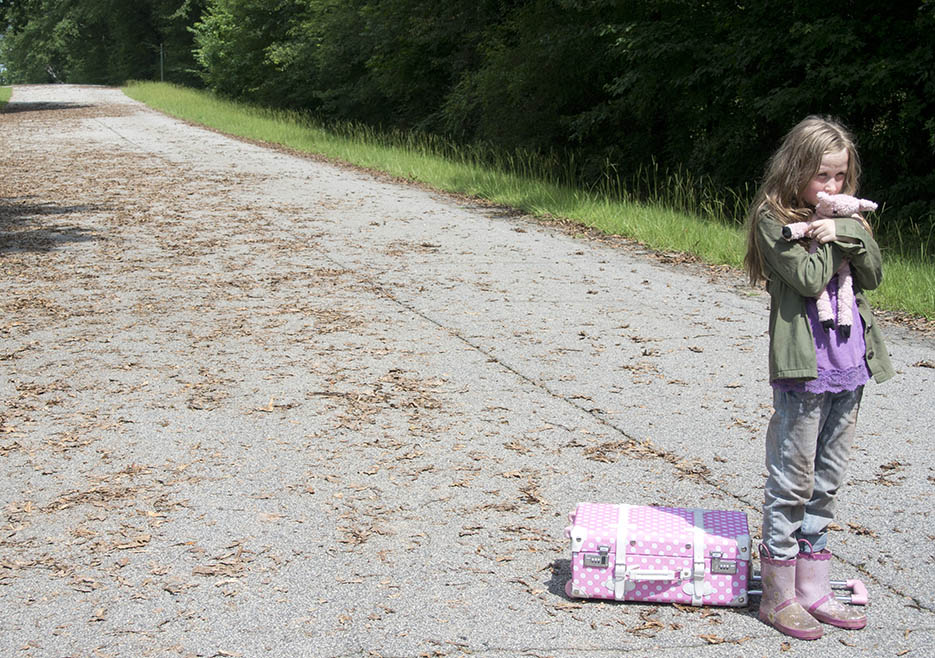 Meghan Chambler (Meyrick Murphy) in Episode 6 of The Walking Dead