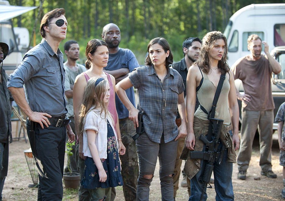 The Governor (David Morrissey), Meghan Chambler (Meyrick Murphy), Lilly Chambler (Audrey Marie Anderson), Tara Chambler (Allana Masterson) and Alisha (Juliana Harkavay) and in Episode 7 of The Walking Dead