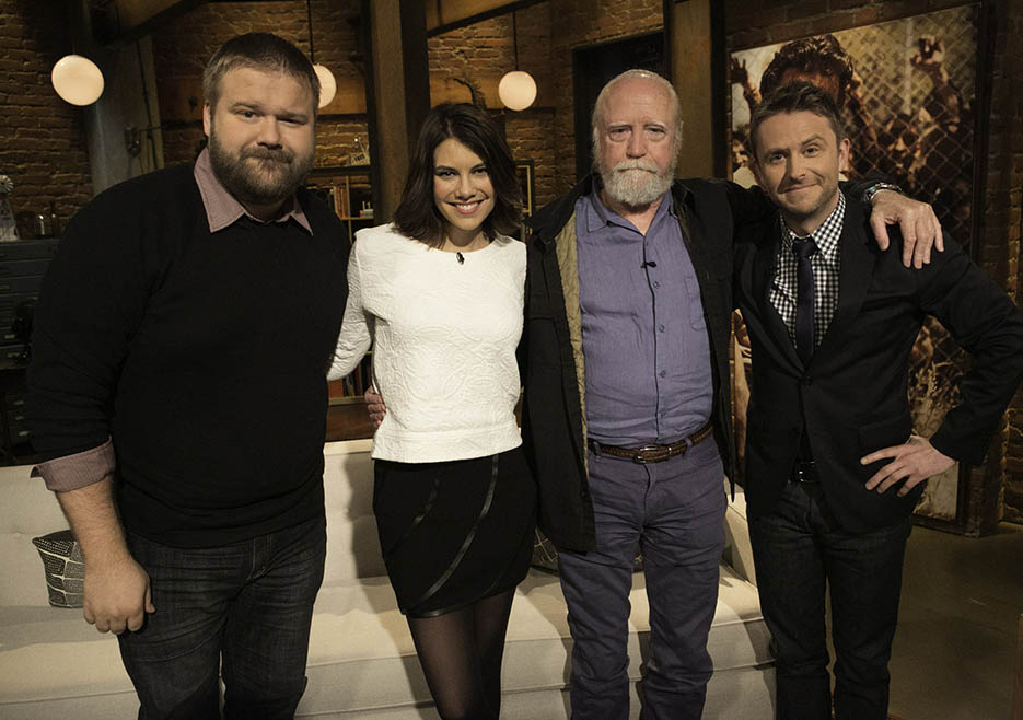 Robert Kirkman (The Walking Dead Executive Producer, Writer), Lauren Cohan (Maggie Greene), Scott Wilson (Hershel Greene) and Chris Hardwick in Episode 8 of The Talking Dead