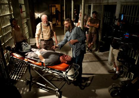 Scott Wilson (Hershel Greene), David Boyd (Director) and Sonequa Martin-Green (Sasha) in Episode 5 of The Walking Dead