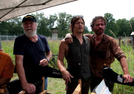 Scott Wilson (Hershel Greene), Norman Reedus (Daryl Dixon) and Andrew Lincoln (Rick Grimes) in Episode 8 of The Walking Dead