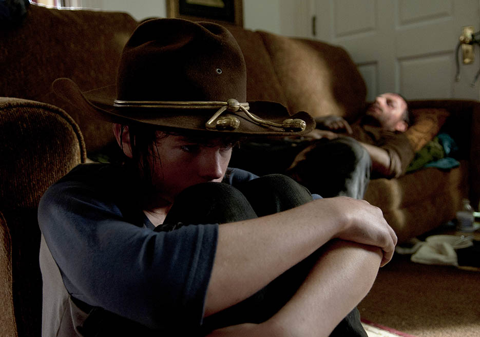 Carl Grimes (Chandler Riggs) and Rick Grimes (Andrew Lincoln) in Episode 9 of The Walking Dead