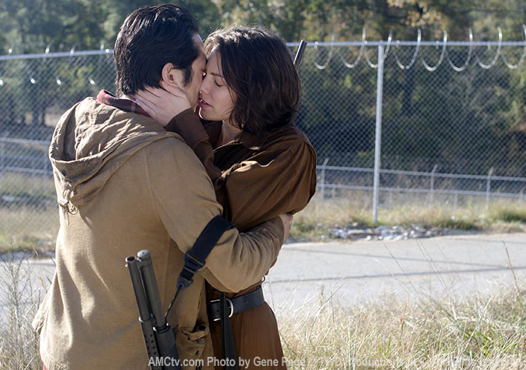 Glenn Rhee (Steven Yeun) and Maggie Greene (Lauren Cohan) in Episode 15 of The Walking Dead