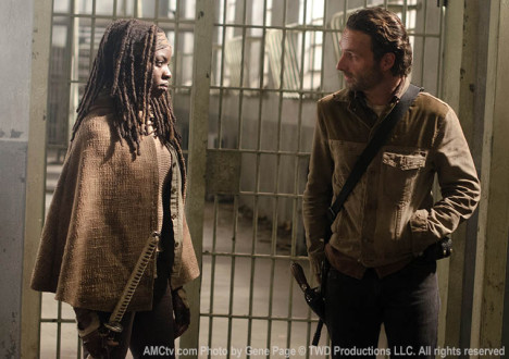 Michonne (Danai Gurira) and Rick Grimes (Andrew Lincoln) in Episode 16 of The Walking Dead