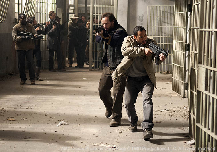 Allen (Daniel Thomas May) and Martinez (Jose Pablo Cantillo) in Episode 16 of The Walking Dead