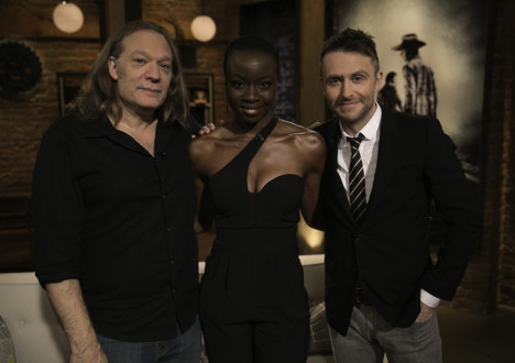 Greg Nicotero (The Walking Dead Executive Producer, Special FX Makeup Designer), Danai Gurira (Michonne) and Chris Hardwick in Episode 9 of The Talking Dead