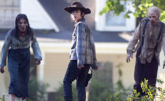 TWD-Episode-409-Carl-Walkers-325-v2