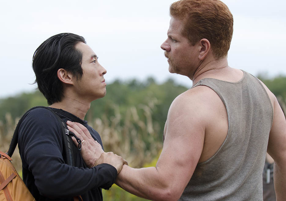 Glenn Rhee (Steven Yeun) and Abraham Ford (Michael Cudlitz) in Episode 11 of The Walking Dead