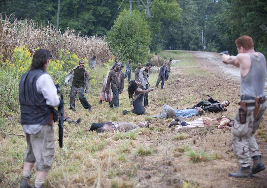 Dr. Eugene Porter (Josh McDermitt) and Abraham Ford (Michael Cudlitz) in Episode 11 of The Walking Dead
