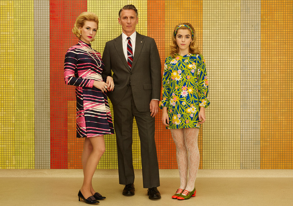 Betty Francis (January Jones), Henry Francis (Christopher Stanley) and Sally Draper (Kiernan Shipka) of Mad Men
