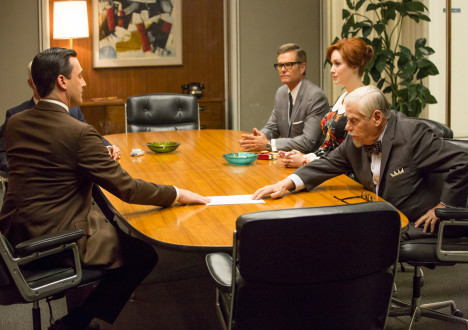 Don Draper (Jon Hamm), Jim Cutler (Harry Hamlin), Joan Harris (Christina Hendricks) and Bertram Cooper (Robert Morse) in Mad Men