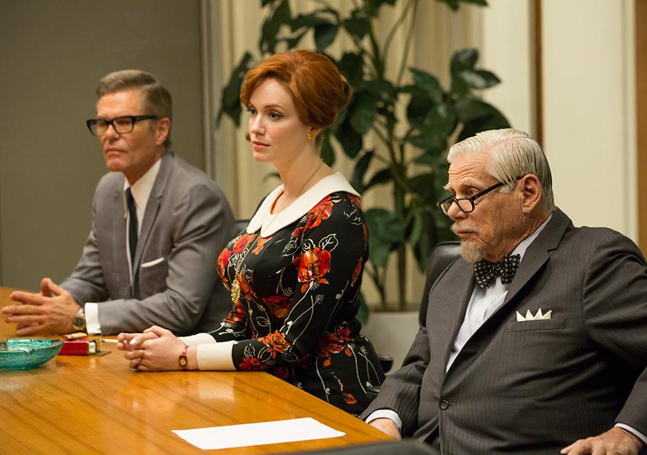 Jim Cutler (Harry Hamlin), Joan Harris (Christina Hendricks) and Bertram Cooper (Robert Morse) in Mad Men