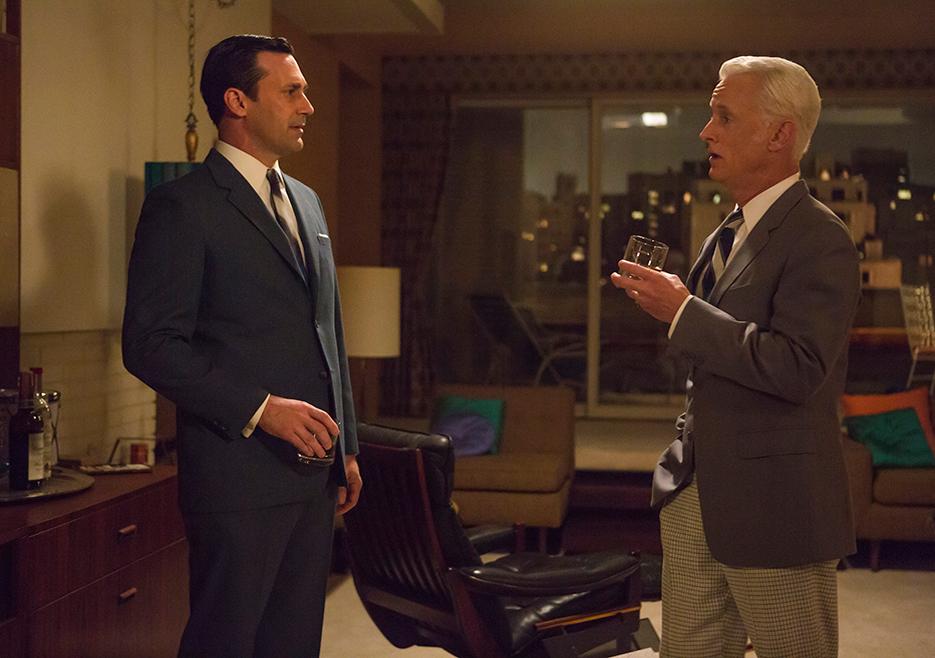 Don Draper (Jon Hamm) and Roger Sterling (John Slattery) in Episode 7 of Mad Men