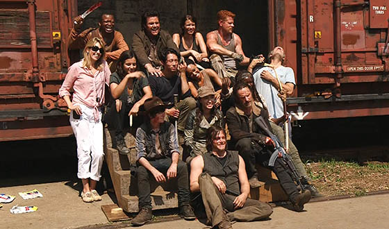 Video &#8211; <em>The Walking Dead</em> Cast and Crew&#8217;s Greetings From the Season 5 Set