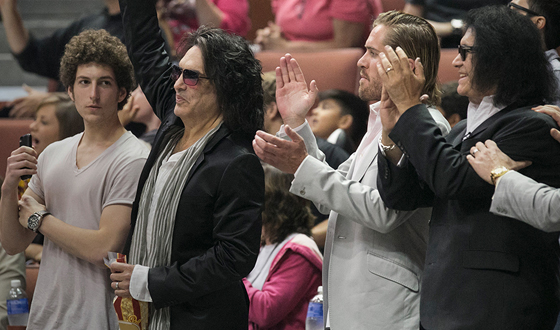 4th-and-loud-episode-101-paul-stanley-gene-simmons-full-560