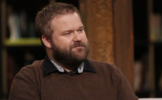 the-walking-dead-robert-kirkman-creator-560
