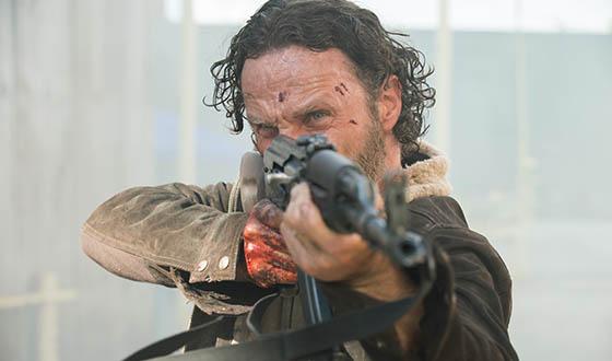 Sneak Peek Photos From <em>The Walking Dead</em> Season 5