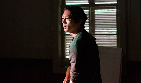 Steven Yeun, Michael Cudlitz Chat With <em>EW</em>; <em>TV Guide</em> Talks Cannibals With Andrew J. West