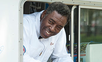 comic-book-men-episode-408-ernie-hudson-325