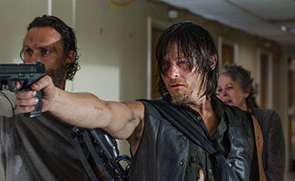 the-walking-dead-episode-508-rick-lincoln-daryl-reedus-carol-mcbride-325