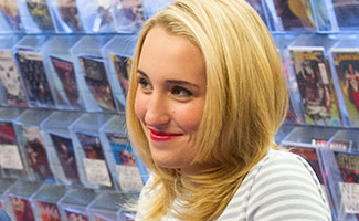 comic-book-men-episode-401-harley-quinn-smith-325