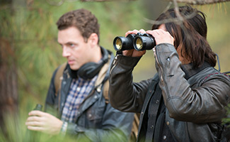 the-walking-dead-episode-516-aaron-morquand-daryl-reedus-325