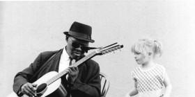 Harlem-Street-Singer-Key-Image---Photo-by-Alice-Ochs-Getty-Images-