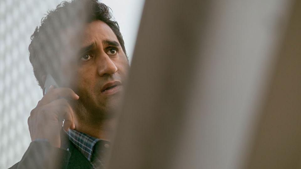 Travis Manawa (Cliff Curtis) en Episodio 1 / Photo credit: Justin Lubin/AMC