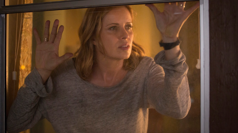 Kim Dickens as Madison - Fear The Walking Dead _ Season 1, Episode 4 - Photo Credit: Justina Mintz/AMC